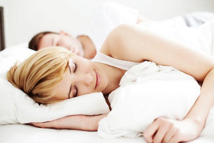Dormir nu n'est pas une bonne option.